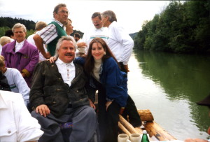Josef mit seiner damaligen Freundin auf einer Isar Floßfahrt eingeladen von der Familien von Schlieben